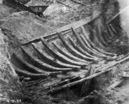 41564 Afbeelding van het Utrechts schip dat bij de opgraving aan de Van Hoornekade te Utrecht gevonden is.