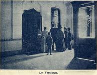 119196 Interieur van het Kantoor van het Utrechts Nieuwsblad (Drift 23) te Utrecht: hal.