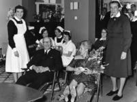 101301 Afbeelding van dr. J.W.J. de Laive tijdens zijn afscheid als 1e chirurg van het Diakonessenhuis (Bosboomstraat ...