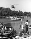 103546 Afbeelding van een demonstratie met een helicopter van het Search and Rescue team van de Koninklijke Luchtmacht, ...