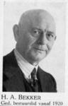 103805 Portret van H.A. Bekker (1885-1954), lid van de gemeenteraad van Utrecht voor de R.K.S.P. (later K.V.P.) van ...