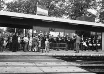 165525 Afbeelding van de opening van het nieuwe gebouw van het N.S.-station Didam te Didam, tijdens de uitvoering van ...