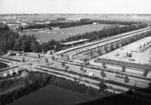 165537 Overzicht van het nieuwe N.S.-station Purmerend Overwhere te Purmerend, tijdens de opening van het station.
