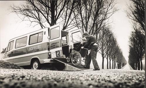 NNC-BM-0030 HortSik-busjes voor personenvervoer van Jonk Cars uit Zuidoostbeemster.
