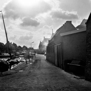 RJ000000040 Rokerijen aan de Havenstraat in Monnickendam.