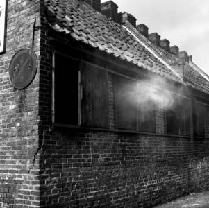 RJ000000041 Rookhuis van Gebr. De Boer aan de Havenstraat in Monnickendam