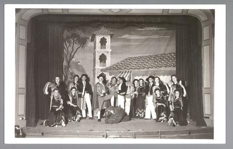 WAT001013268 Nea-Volharding. Revue ter gelegenheid van het 70 jaar bestaan van Nea-Volharding 1878-1948.
