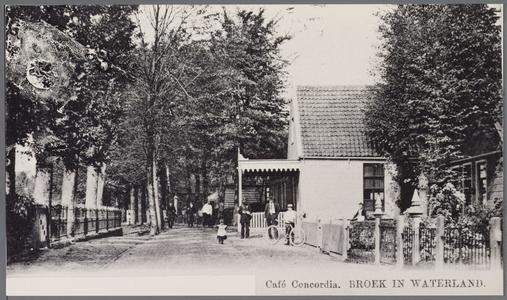 WAT001000767 Café Concordia heette 300 jaar geleden In de Bel en veel later Veld en Meer . In het café was van ...