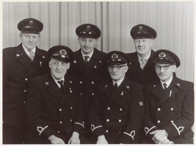WAT001014269 Vrijwillige brandweer.Bovenste rij v.l.n.r.; H. Reuzenaar, T. Kobes, S.Oortwijn.Onderste rij v.l.n.r.; ...