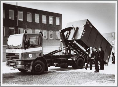 WAT001014366 Haakarm- voertuig van de brandweer.