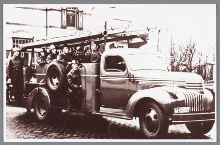WAT002000662 Nieuwe autospuit nummer 3 ter vervanging van de vorige die in beslag was genomen door de Duitsers.Op de ...
