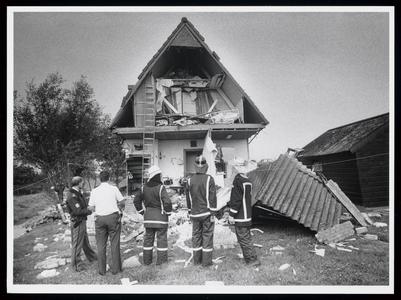 WAT003006580 Woning totaal vernield na gasexplosie en brand.