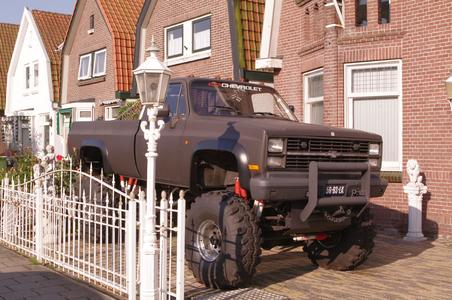 WAT120003051 Een 'big wheeler' op de Nieuweweg