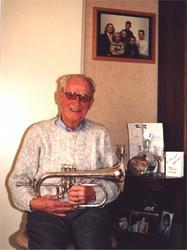 HGOM00000314 Dirk de Ruiter muziekkant, 70 jaar