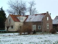 HGOM00000573 Oude kosterswoning. Voor 1865 openbare lagere school. Tot 2016 bewoond door Joop van Blokland en Gré Groot