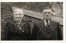 HGOM00000238 Meindert Vink en Grietje Plas boerden op no. 77, hij was ook handelaar in vee