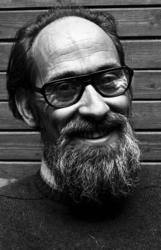 RJ000000294 Jan Wijker, hoofd van de Tiedema Bijlsmaschool in Watergang. (NNC 01-12-1972)