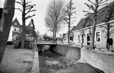 RJ000000446 Rioolaanleg in het centrum van Monnickendam. (NNC 5-03-1976)