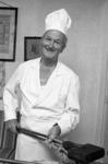 RJ000000733 W.K. Bouwes bakt tijdens de jaarlijkse Edamse kermis Oudhollandse wafels in zijn garage ondanks dat de ...