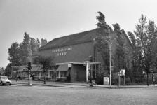 RJ000000787 De 25 jarige AMVO. Het restaurant en bioscoop werd 25 jaar geleden opgericht door een groep aandeelhouders ...