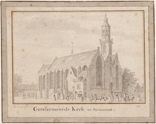 WAT001020888 De Grote of Nicolaaskerk met kerkgangers tijdens het uitgaan na de eredienst.