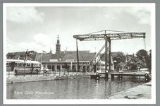 WAT001010995 Links bus van de Naco. Café restaurant Hof van Holland. Speeltoren op de achtergrond. Stalen ophaalbrug, ...
