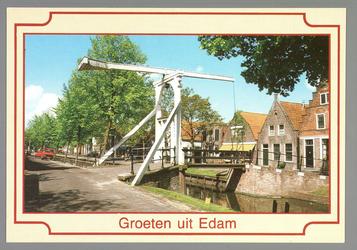 WAT001011131 De Voorhaven met de Arisbrug.