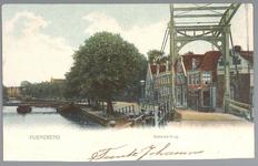 WAT001012445 Beemsterbrug met rechts de brugwachterswoning en op de achtergrond de Wagenbeurs.
