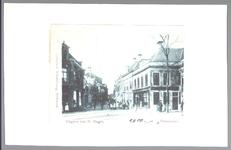 WAT001012466 De Breedstraat van de oostzijde met helemaal links de varkensslachterij van C.Boomgaard(later een ...