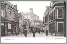 WAT001012471 De Breedstraat gezien van de oostzijde met op de achtergrond de Koepelkerk. Het pand 24-26 geheel links is ...