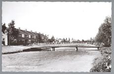 WAT001012540 Goudenregenstraat met voetgangersbrug