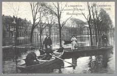 WAT001012600 Als gevolg van een zware noordwester storm brak in januari 1916 de Waterlandse Zeedijk tussen Monnickendam ...
