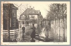 WAT001012602 Als gevolg van een zware noordwester storm brak in januari 1916 de Waterlandse Zeedijk tussen Monnickendam ...