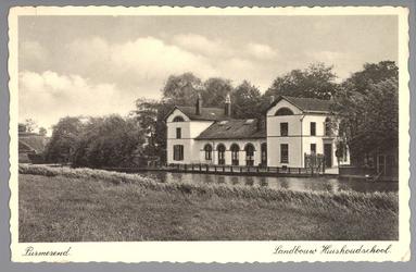 WAT001012619 Het gebouw met de naam Het Witte Huis is gebouwd in 1842 door aannemer Jacob Eisenberger. De architect was ...