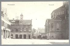 WAT001012728 Links het oude Stadhuis te Purmerend, afgebroken in 1911.Rechts de voormalige Kaaswaag in ...