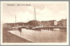 WAT001012675 Noord-Hollands Kanaal gezien vanaf de Kanaalkade met op de achtergrond het sluizencomplex