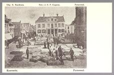 WAT001012727 Kaasmarkt te Purmerend, op een gegeven moment de twee na grootste van Nederland. In het midden het oude ...