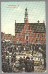WAT001012740 Kaasmarkt te Purmerend, op een gegeven moment de twee na grootste van Nederland. In het midden het ...