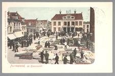 WAT001012741 Kaasmarkt te Purmerend, op een gegeven moment de twee na grootste van Nederland. Links het pand van P.T. ...