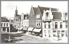 WAT001012757 Midden achter met torenspits de Lutherse kerk.Helemaal rechts Kaasmarkt 3. Noord Hollandsche Koffiehuis ...