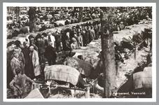 WAT001012783 Koeienmarkt. Op de kop van de koemarkt verhandelde men al sinds 1612 koeien, ossen, paarden, varkens en ...