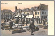 WAT001012738 De Kaasmarkt, met links Hotel Centraal (café restaurant) met torenspits de Lutherse kerk. Het pand rechts ...
