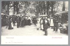 WAT001012886 Lappenmarkt op de Nieuwstraat, het was een drukte van belang. Er werden zelfs extra trams op dinsdag ...