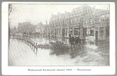 WAT001012896 Als gevolg van een zware noordwester storm brak in januari 1916 de Waterlandse Zeedijk tussen Monnickendam ...