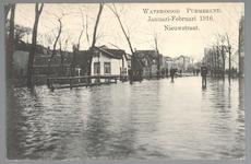 WAT001012897 Als gevolg van een zware noordwester storm brak in januari 1916 de Waterlandse Zeedijk tussen Monnickendam ...