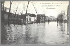 WAT001012904 Als gevolg van een zware noordwester storm brak in januari 1916 de Waterlandse Zeedijk tussen Monnickendam ...