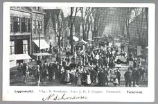 WAT001012895 Lappenmarkt op de Nieuwstraat, het was een drukte van belang. Er werden zelf extra trams op dinsdag ingezet.