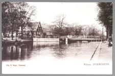 WAT001013075 De Where met links op de hoek (puntig dak) de apotheek van Jürgens en daarnaast hotel De Vergulde Roskam. ...