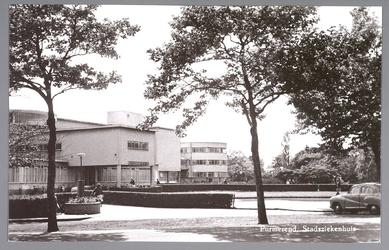 WAT001012983 Het Stadsziekenhuis ontworpen door de Purmerendse architecten Jan Plas en Corn.Koning en gebouwd door ...