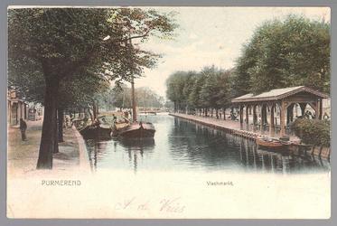 WAT001013082 Rechts de Venediën met visbank/vismarkt en links de Weerwal en in het midden achteraan, de ...